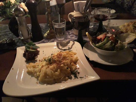 Altfrankische Weinstube : Käsespätzle mit knackigem Salat