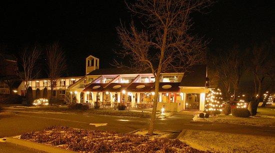 هوتل آند سبا إيتويل سور لو لاك: Restaurant l'Ancrage