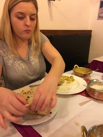 Annapurna Restaurant: Chicken Korma and garlic naan