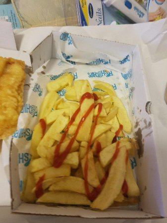 Larkhall, UK: The amount of chips in a 2 piece fish supper
