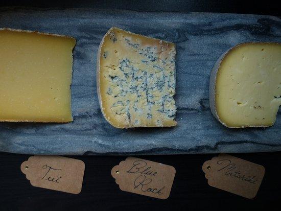 Richmond, Nova Zelândia: Huge Cheese Selection