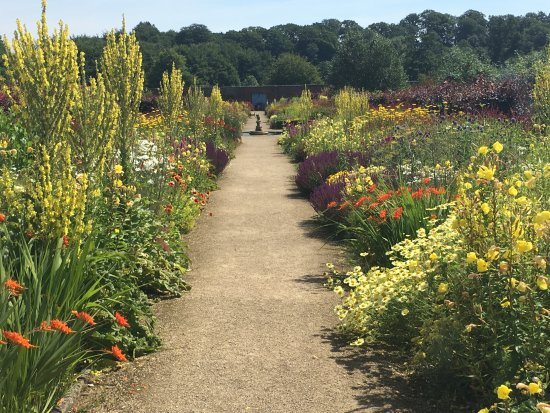 Helmsley, UK: The herbaceous border