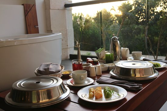 UNICO 20 87 Hotel Riviera Maya: Breakfast on our deck, building one
