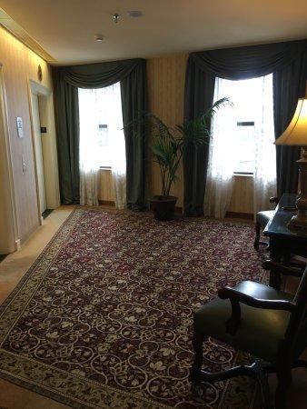 The Saint Paul Hotel: Elevator Area.