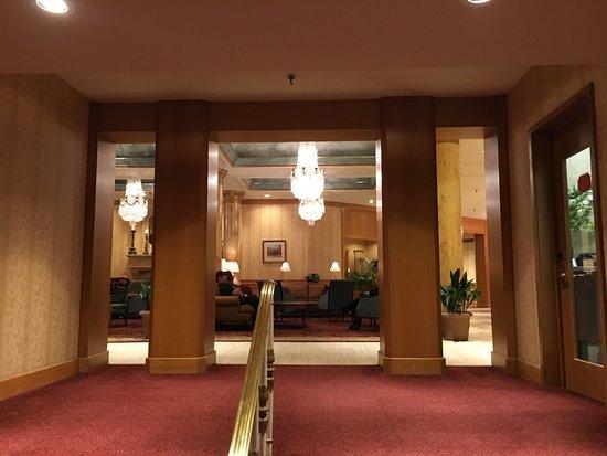 The Saint Paul Hotel: Side Loby Entrance.