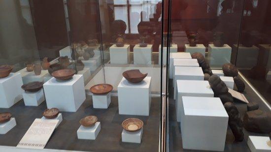 Museo Carlos Dreyer: vasijas pre incas