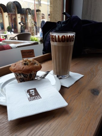Coffee Fellows: Muffin mit Latte