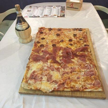 Pizzeria Ciao Italia: Pizza family cena con amici in buona compagnia ottima pizzeria prezzi buono buoni X chi gli piac