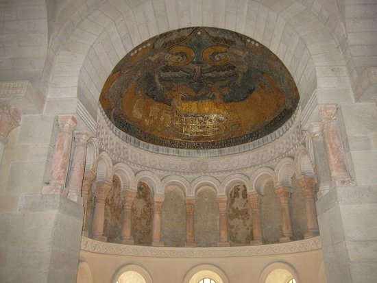 Oratoire Carolingien de Germigny-des-Prés: Superbe oratoire carolingien