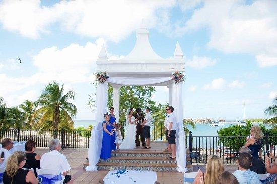 Hotel Riu Montego Bay Wedding Plaza Gazebo