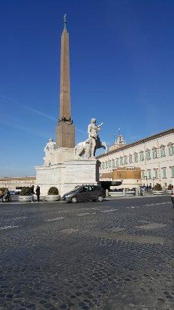 Piazza di monte citorio m it lie recenze tripadvisor for Piazza montecitorio 12