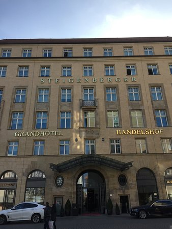 Steigenberger Grandhotel Handelshof: Au