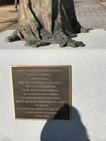 Bedford, VA: Statue Description