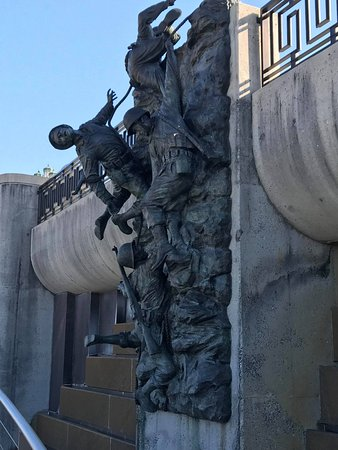 Bedford, VA: Soldiers Climbing