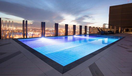 Bai hotel cebu 85 1 0 3 updated 2018 prices reviews cebu island mandaue tripadvisor for Cheap hotels in cebu with swimming pool