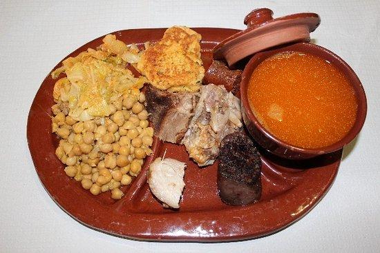 Restaurante edurne aguirre arana en palencia con cocina mediterr nea - Restaurante de edurne pasaban ...