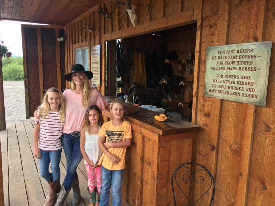 Alpine, WY: Family getting readty for a horseback ride at the Rockin' M Stable