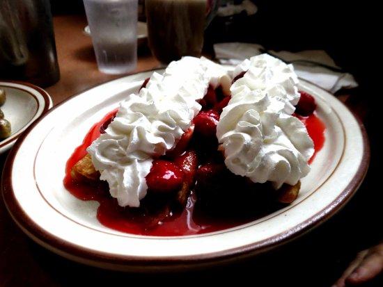 Harvard, IL: Swedish Pancakes