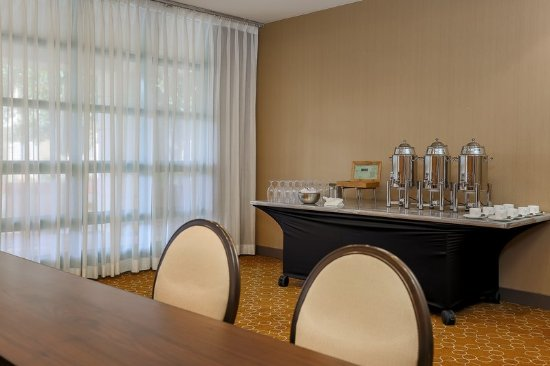 Milpitas, CA: Meeting room