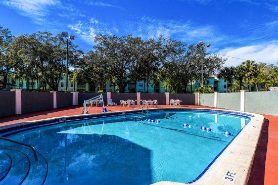 Econo Lodge Busch Gardens: Pool