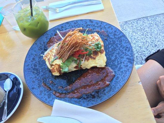 Como, أستراليا: chilli crab omelette