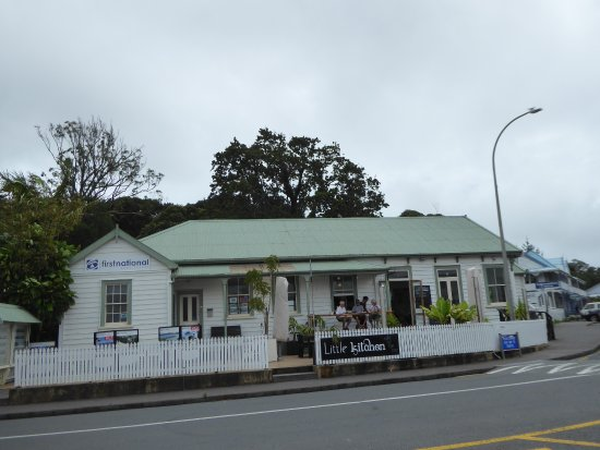 Mangonui, Selandia Baru: Lovely coffee stop, parking close by
