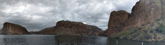 Tortilla Flat, AZ : We took the 1.5 hour boat ride on the Dolly Steamboat on Canyon Lake.  Relaxing and beautiful!