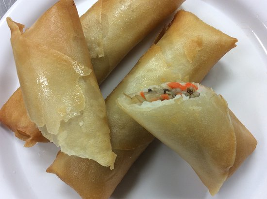 Winfield, KS: Vegetarian and vegan friendly crispy spring rolls.