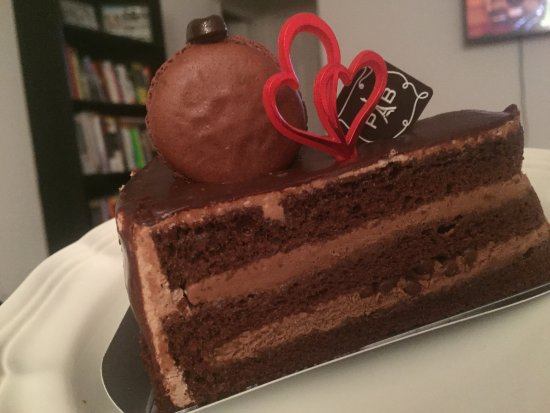 Fort Lee, NJ: choclate layer cake