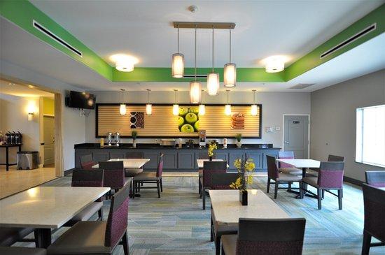 Brookshire, تكساس: Breakfast room.