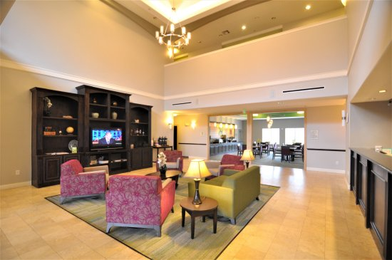 Brookshire, تكساس: Welcome to La Quinta Inn & Suites Brookshire Lobby Great Room