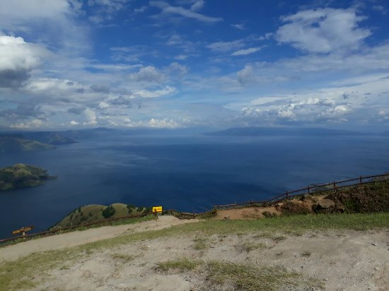 Berastagi, Indonesia: Lake toba tours