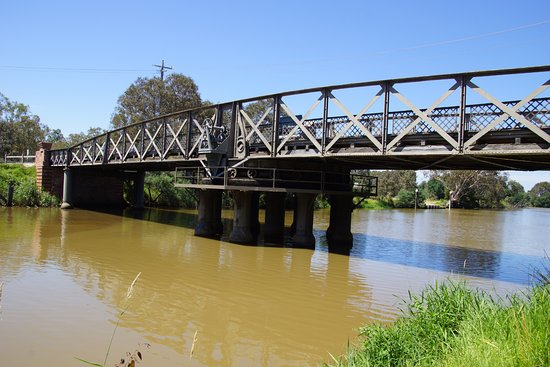 La Trobe Swing Bridge