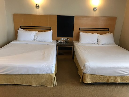 Awana Hotel: Our beds
