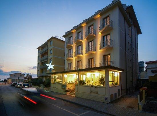 嘉尼塞里奧飯店