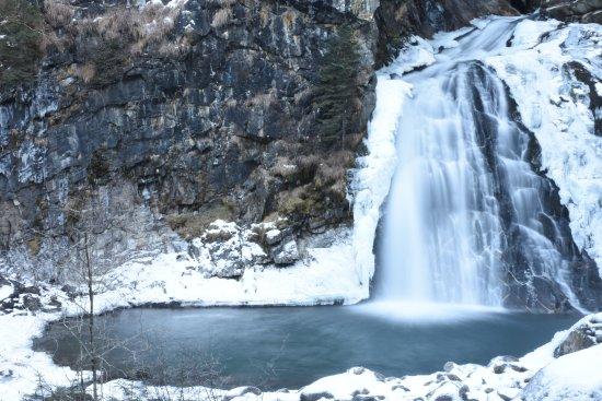 Cascate di Riva: La prima delle cascate