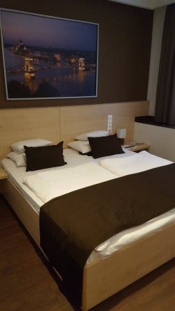 Promenade City Hotel: 20180212_144532_large.jpg