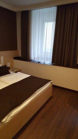Promenade City Hotel: 20180212_144534_large.jpg