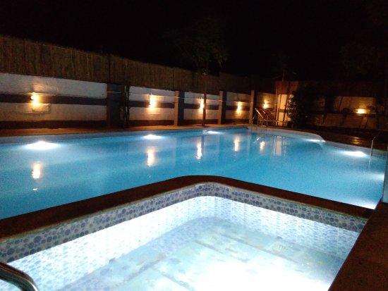 Kings L Den Resort Mysuru Mysore Karnataka Hotel Reviews Photos Rate Comparison