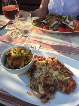 Mörfelden-Walldorf, Deutschland: Western Schnitzel mit Bacon, BBQ Soße und Käse überbacken