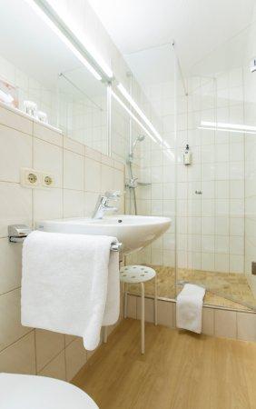 Hotel jaegerhof bernau am chiemsee tyskland omd men for Zimmer 0 studios elda