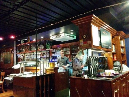 Ravintola Majakka: Салат-бар слева