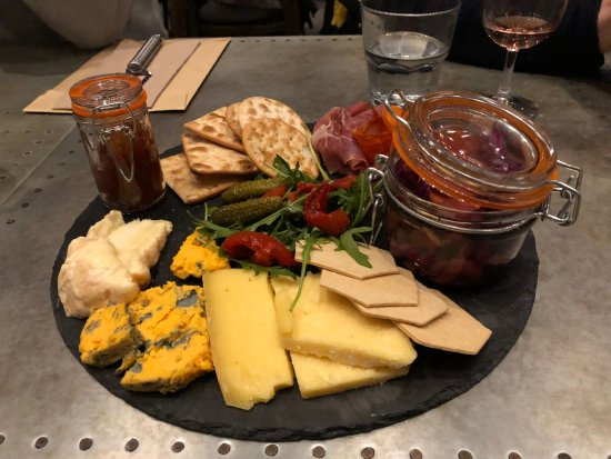 Shoreham, UK: Charcuterie and cheese board
