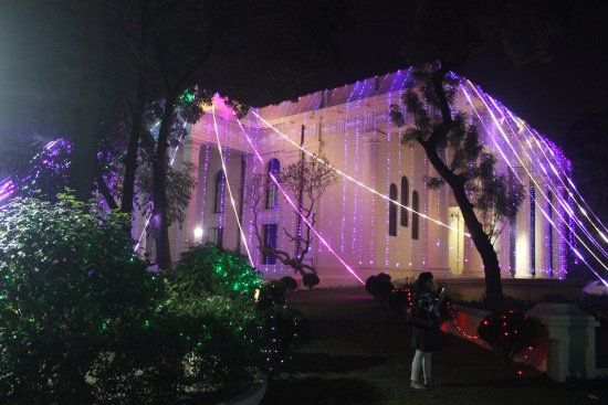 St. John's Church: Christmas lights