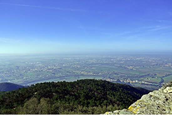 Calci, Italy: Panorama dalla rocca