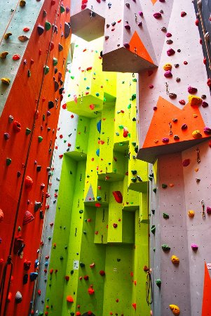Harlech, UK: With around 60 routes of varying styles and difficulties, why not come check it out.
