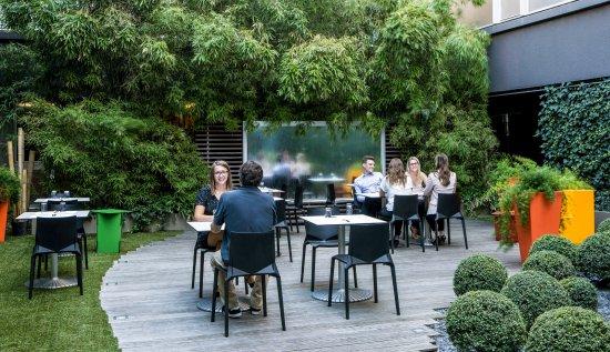 Le Jardin Du Silk Terrasse Du Silk Brasserie Picture Of Sofitel