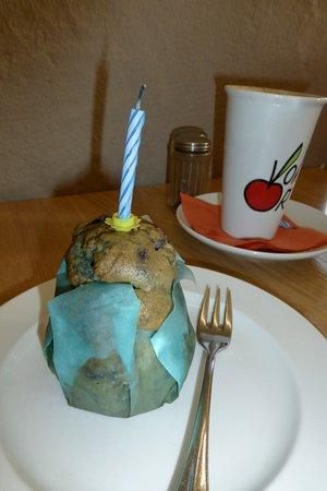 Neuried, Germany: Geburtstagsmuffin im Vorort