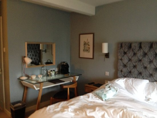 The Crown and Punchbowl: The Forster Room - in the morning