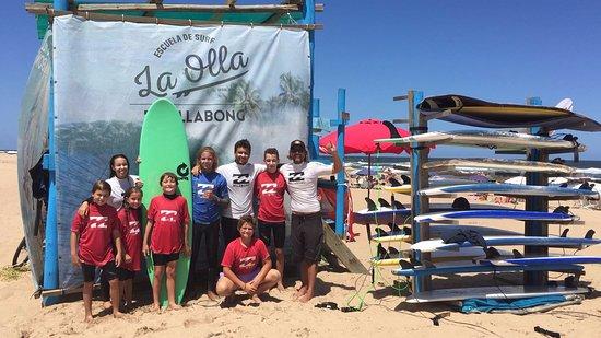 Punta del Este, Uruguay: Nuevos trajes Billabong todas las temporadas.